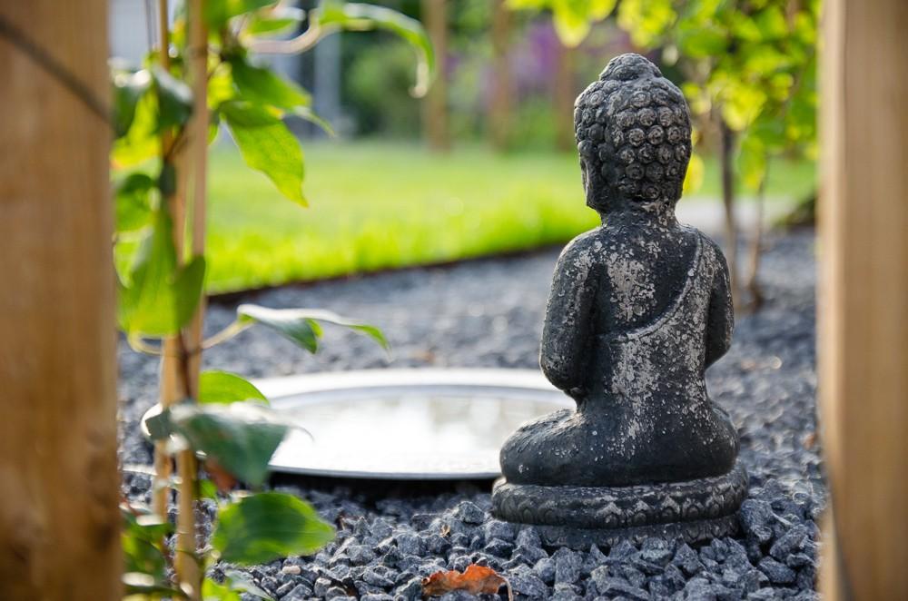 buddhastaty trädgårdsdesign