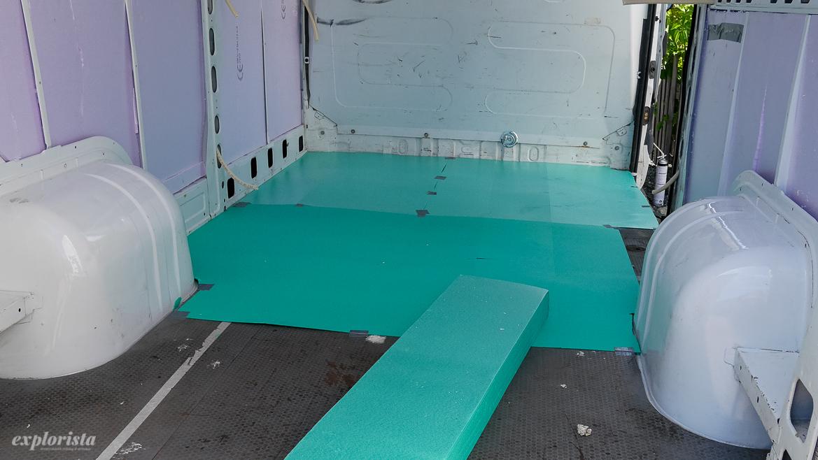 XPS-isolering för golv i campervan
