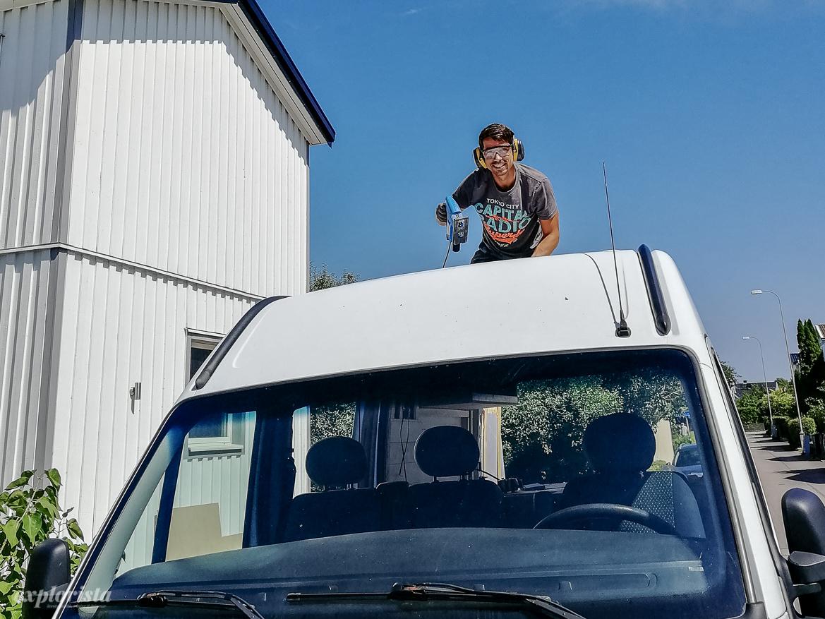 Montera taklucka i campervan