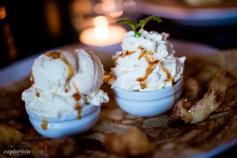 söt crepe med glass och grädde