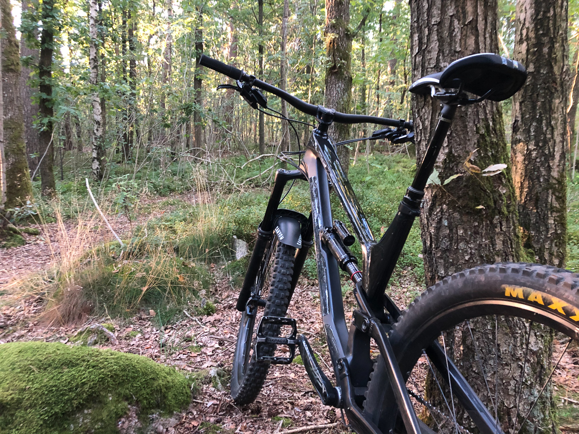 Canyon Torque 8.0 CF Enduro mountainbike