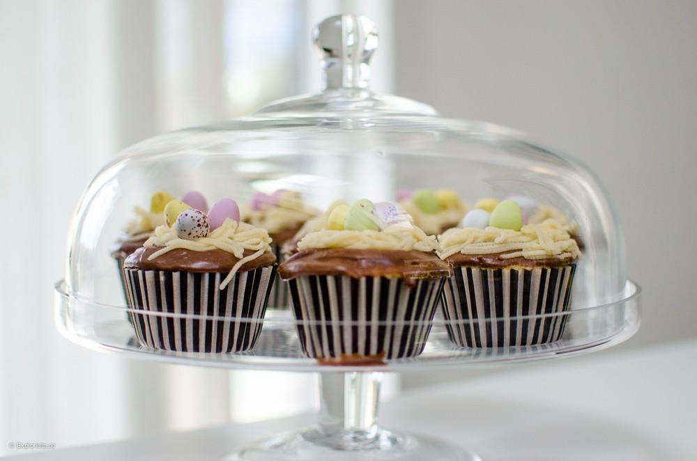 påskcupcake med nutella, chokladägg och mandelmassebon