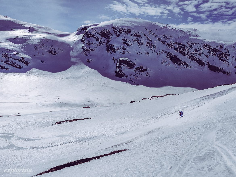 Explorista skidåkning topptur