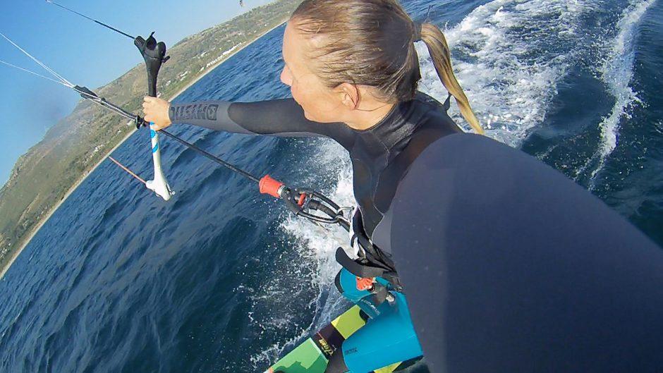 kitesurfwoman actioncam tomtom bandit