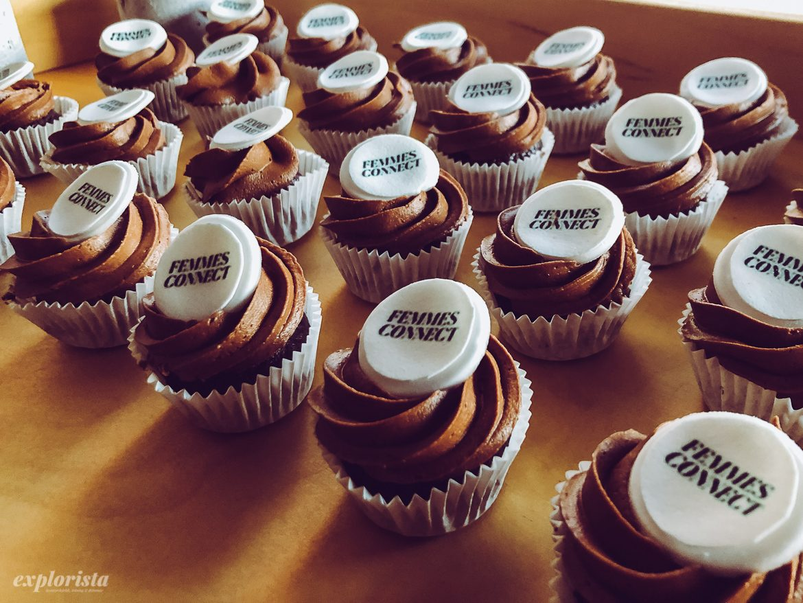 Femmes connect cupcakes