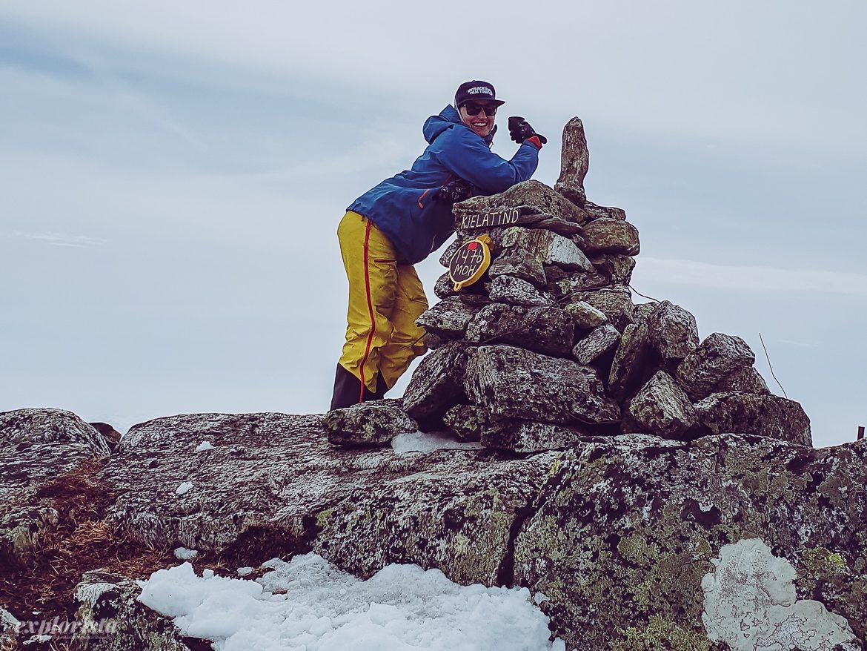 Malin på toppen av Kjelatind