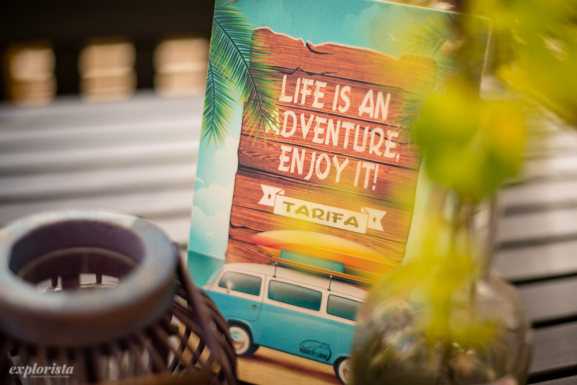 skylt: Life is and adventure, enjoy it