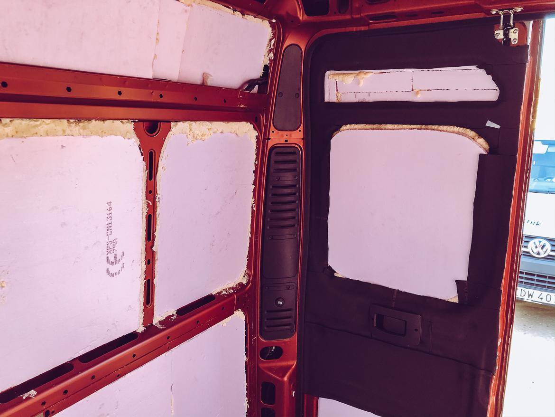 Isolering för campervan: Armaflex 6 mm i på bakdörr