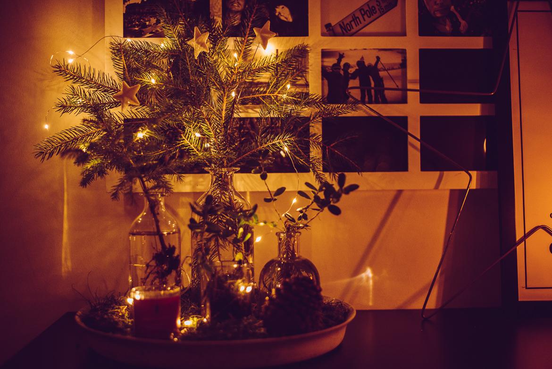 Julpynt i vaser