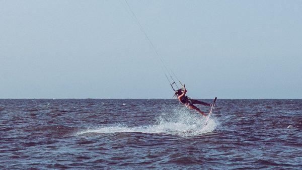 emmi kitesurf backroll
