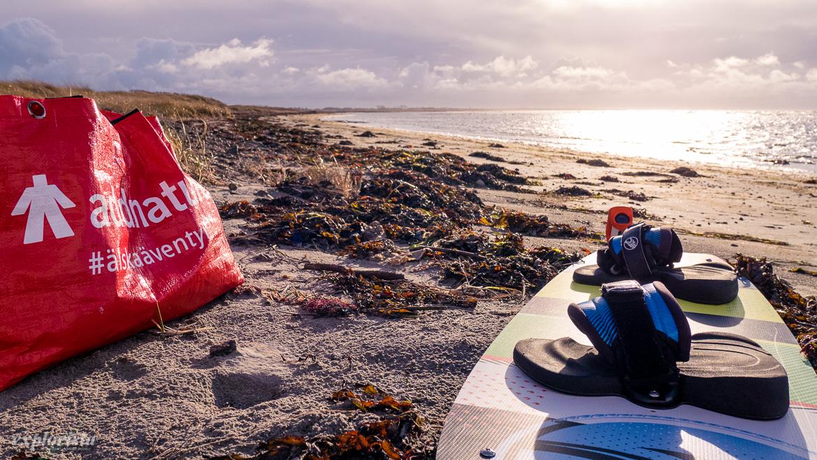 kitesurfgrejer på strand