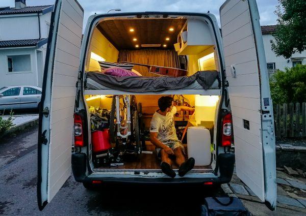 köpa eller bygga campervan