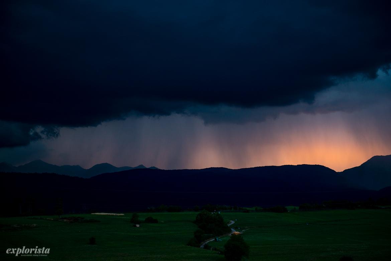 åskoväder och regn