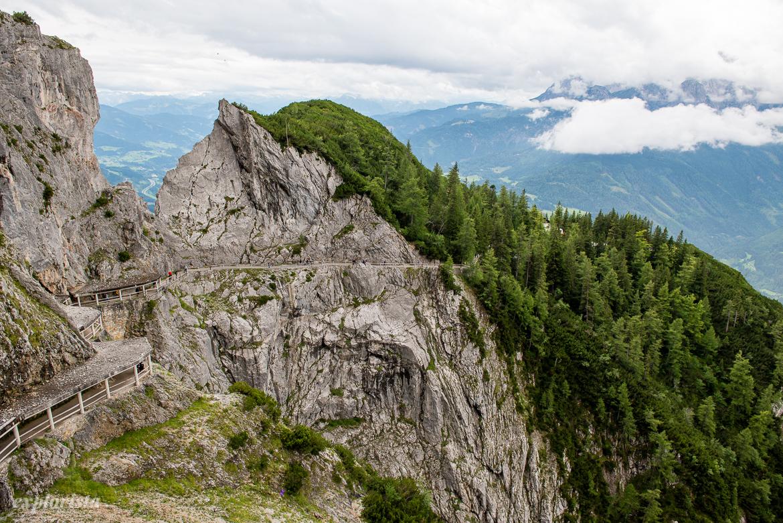 vägen upp till eisriesenwelt i österrike