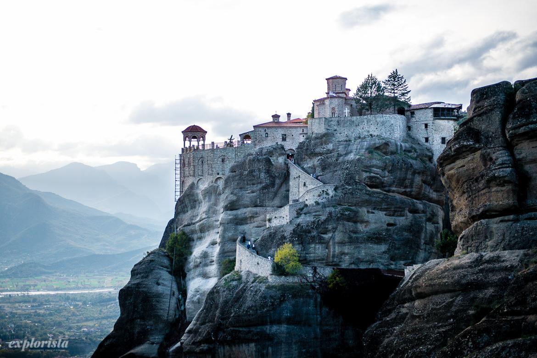 kloster på bergstopp meteora