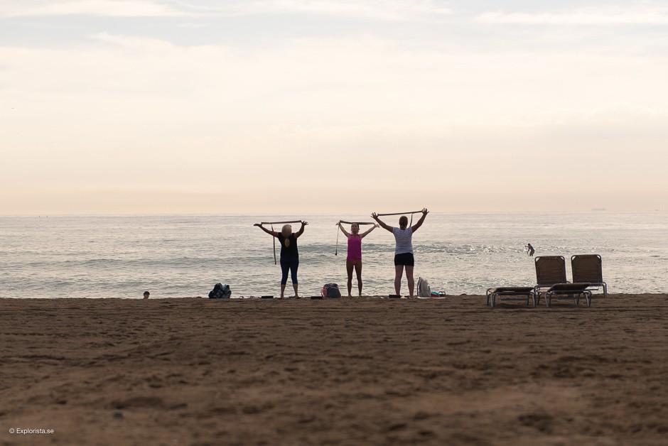 yoga på stranden