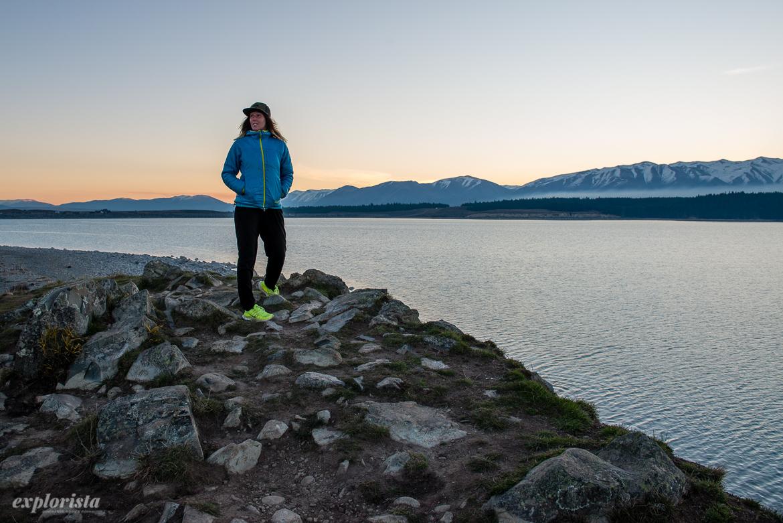 explorista vid sjön vid mount cook