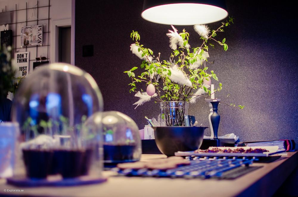köksbord med påskris