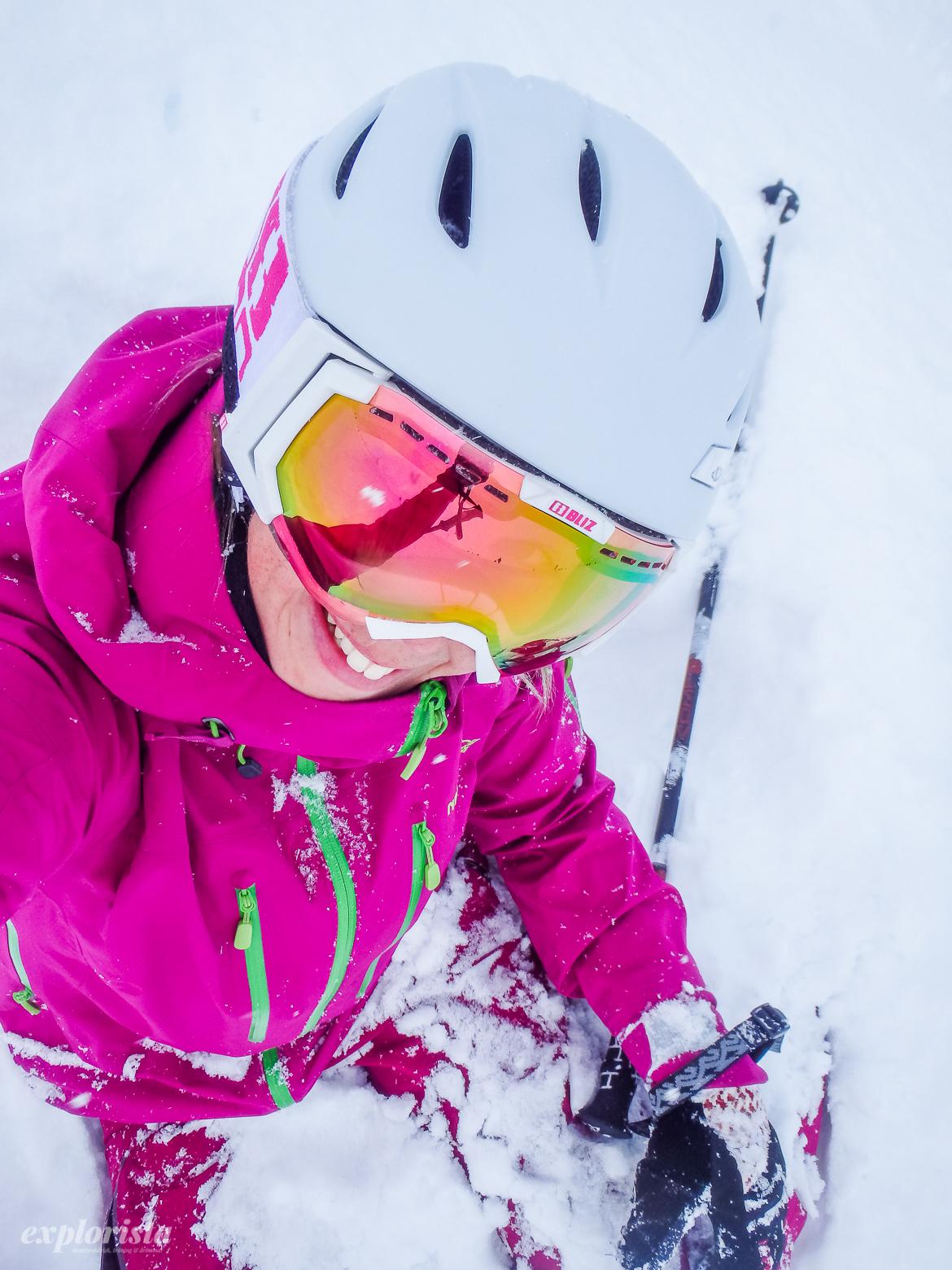 snöig skidtjej