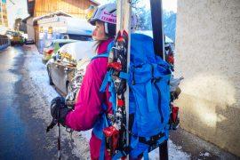 skidor på ryggsäck