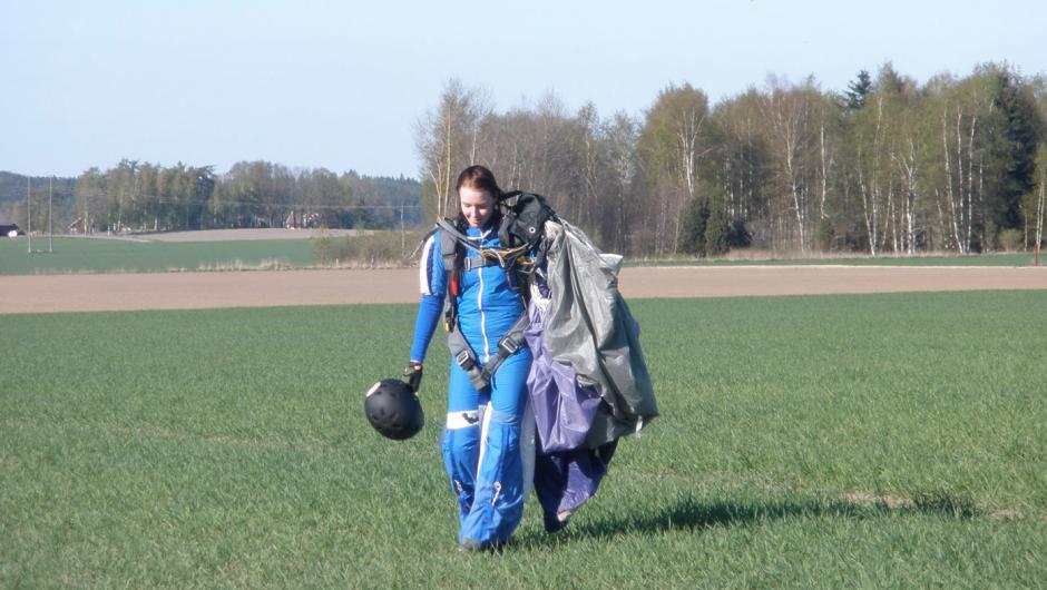 fallskärmshoppning tjej