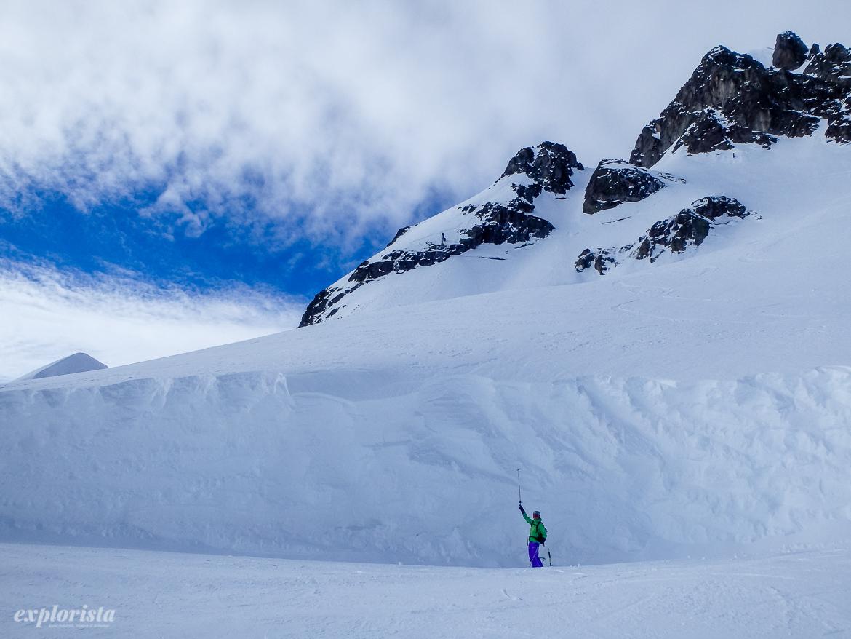 5 meter snö & skidåkare