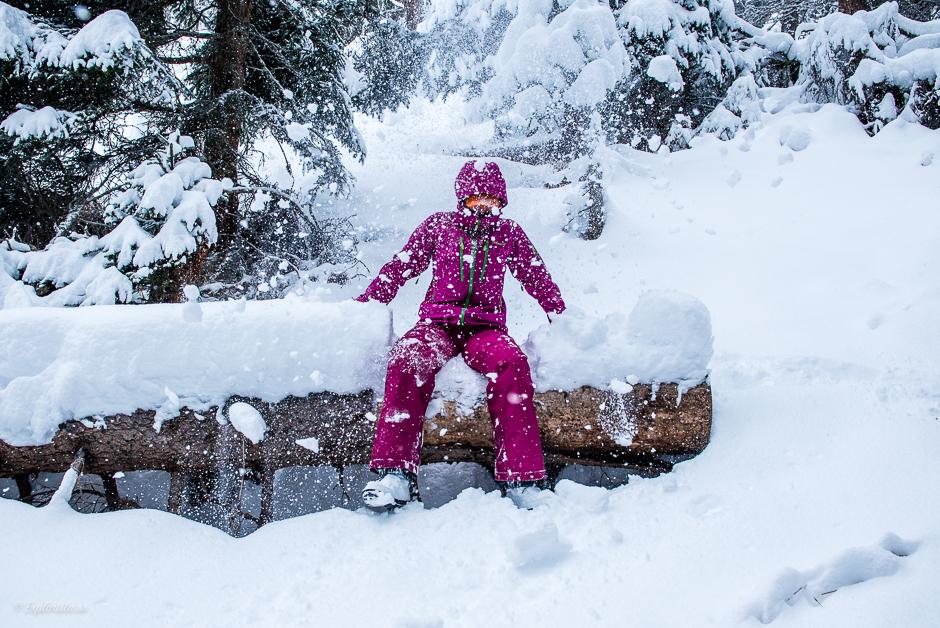 tjej i snö