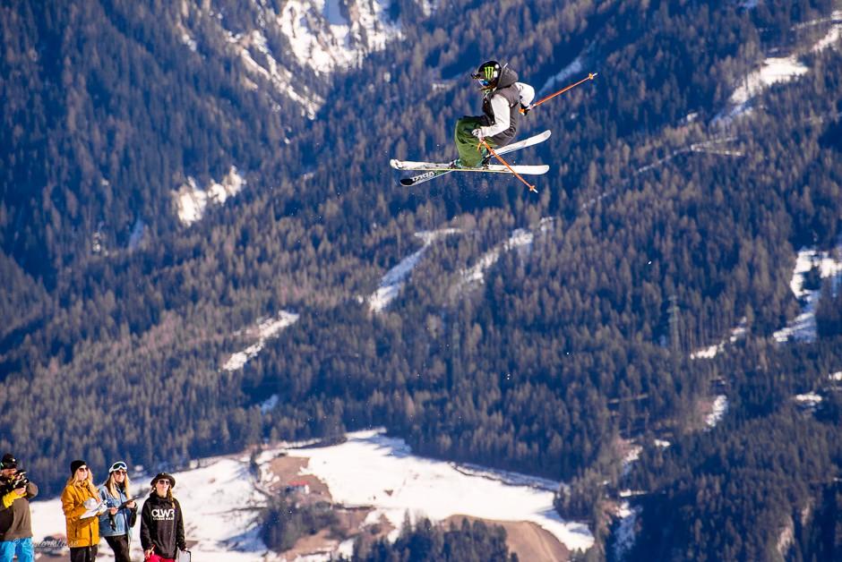 skiing big jump women