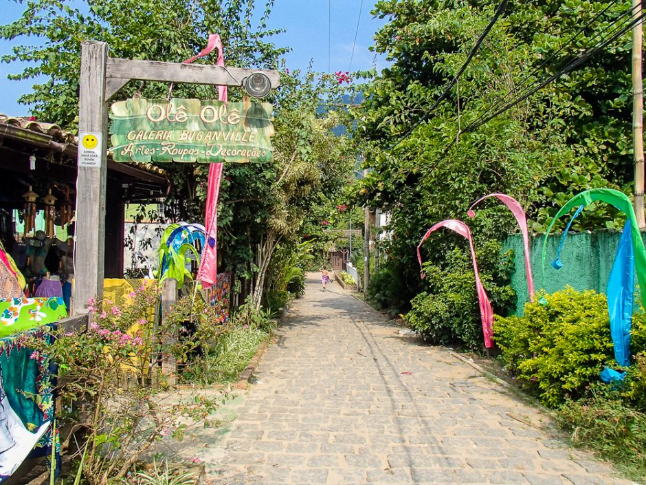 ilha grande street