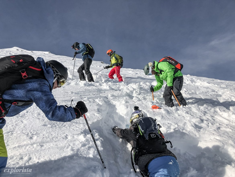 letar efter skida i lössnö