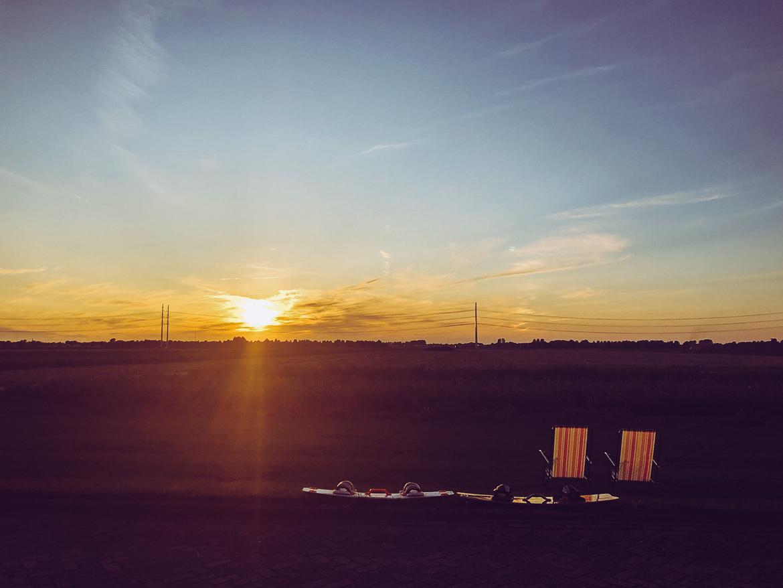 Kiteboards och solnedgång
