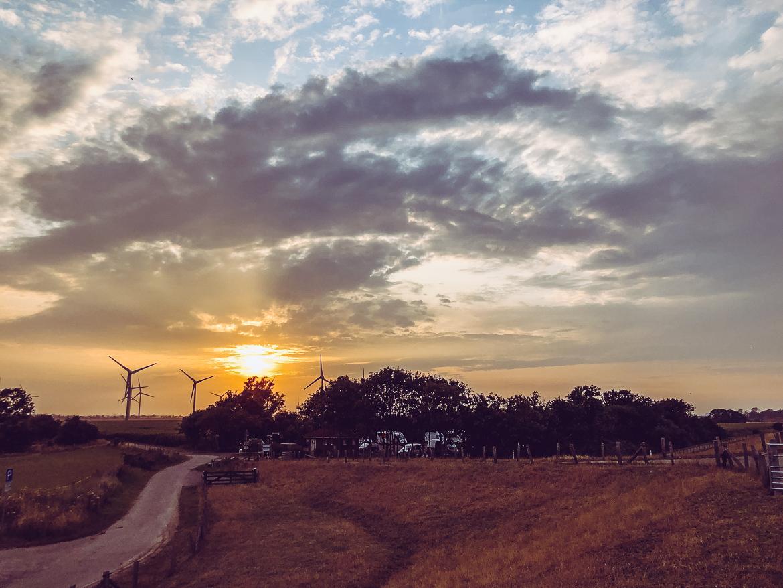 Holland vindkraftverk solnedgång