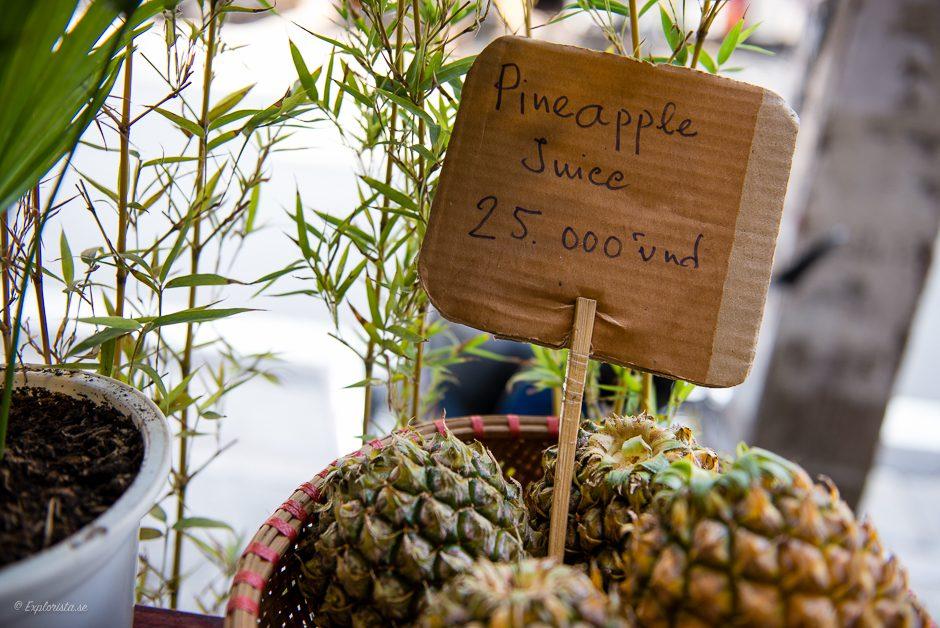 skylt pineapple juice i ananas